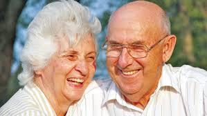 Đàn ông tuổi 80 vẫn 'yêu' tốt