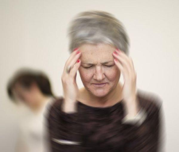 40% người hạ huyết áp tư thế có nguy cơ mất trí nhớ