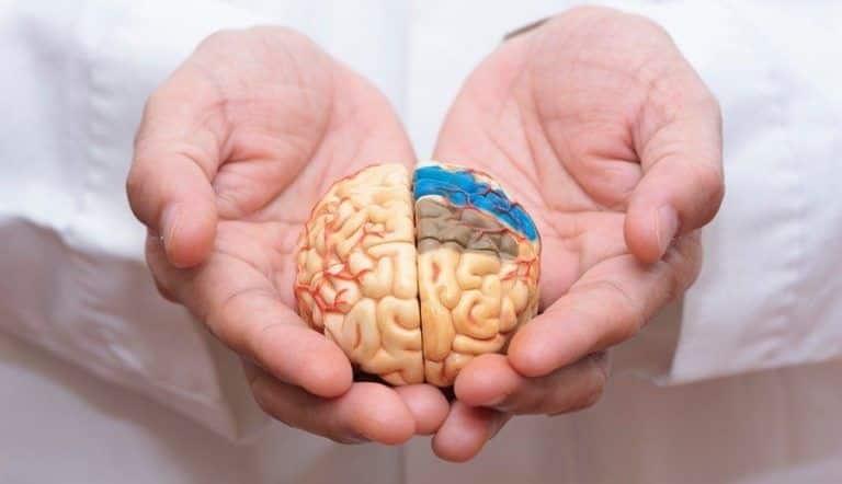 Alzheimer làm tăng nguy cơ mắc COVID-19 nghiêm trọng và tử vong
