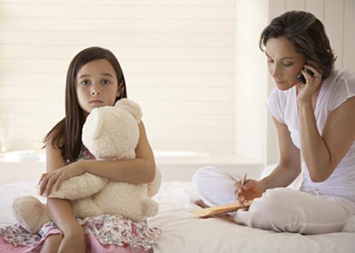 Những đứa trẻ bị bố mẹ 'bỏ quên'
