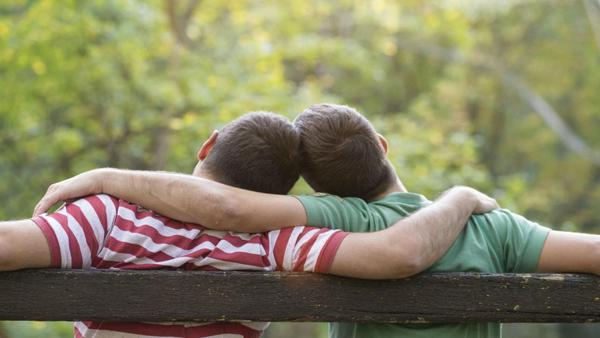Chăm sóc và hỗ trợ tình dục đồng giới