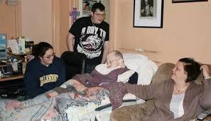 Bệnh Alzheimer không chỉ tấn công người cao tuổi