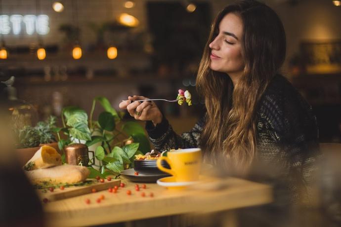 Ăn trong hạnh phúc