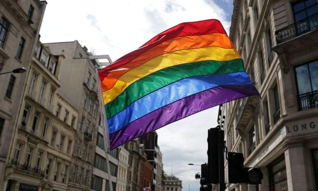 Quốc gia đầu tiên đưa quyền của người LGBT thành môn học chính thức